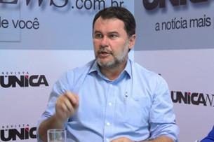 Oscar Bezerra assina ato que cria Escola Militar em Juara