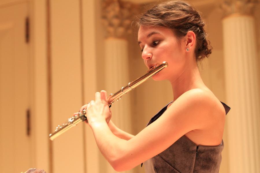 Claire Gunsbury, flute