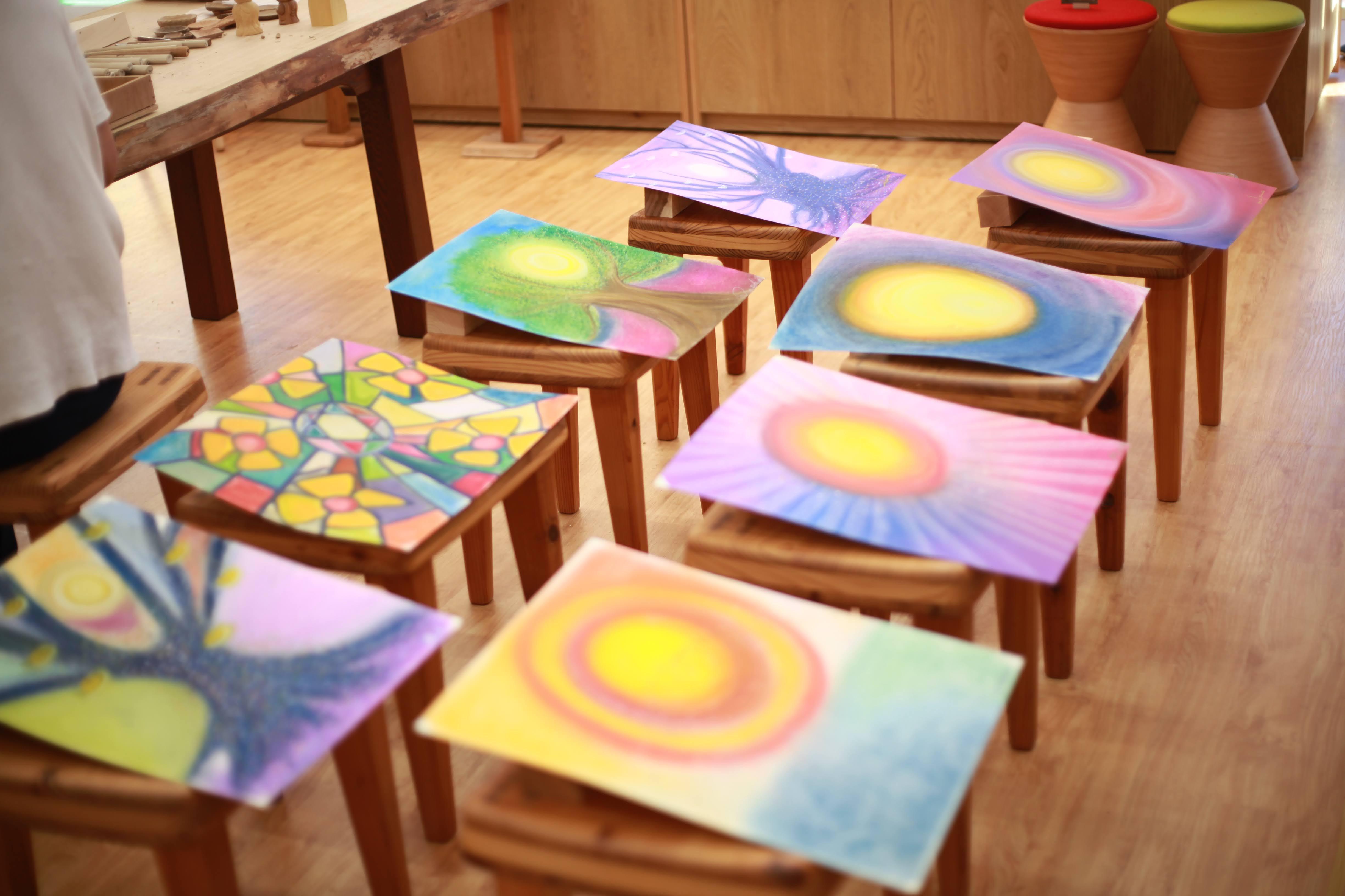 【毎日】おっきい紙に自由に描こう「パステル教室」