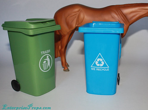 Garbage and Recycle Bins