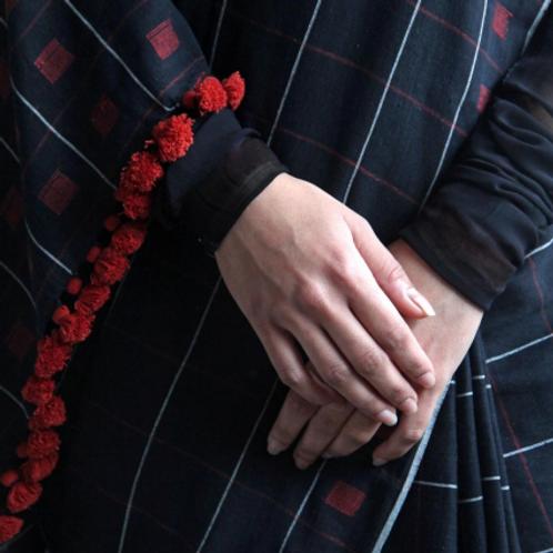 Women Weave Saree