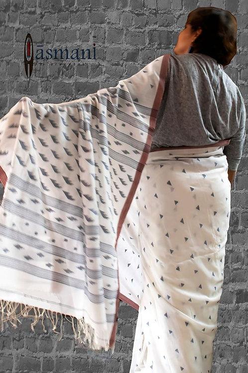 Aasmani Jamdani saris