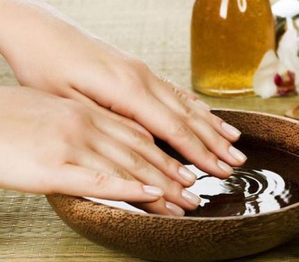 Aceite Natural para foralecer las uñas.