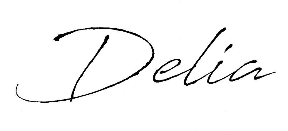 delia%20signature_1_edited.jpg