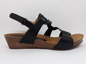 Sandales XAPATAN. Compensées, tendance, grand confort