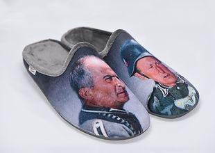 Chaussons mules de Funès et Bourvil. La Grande Vadrouille en pantoufles.