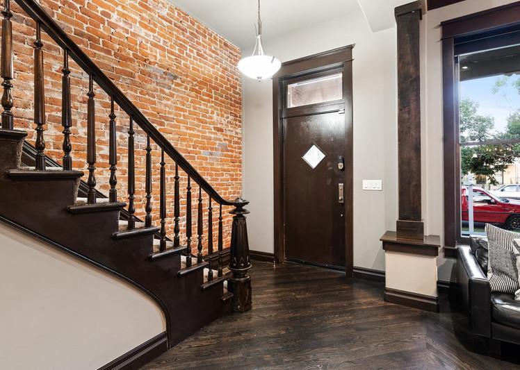 2615 Curtis Street-large-004-016-Entryway-1500x1000-72dpi.jpg