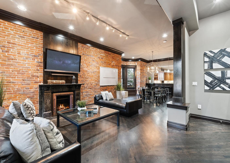 2615 Curtis Street-large-006-013-Living Room-1500x1000-72dpi.jpg