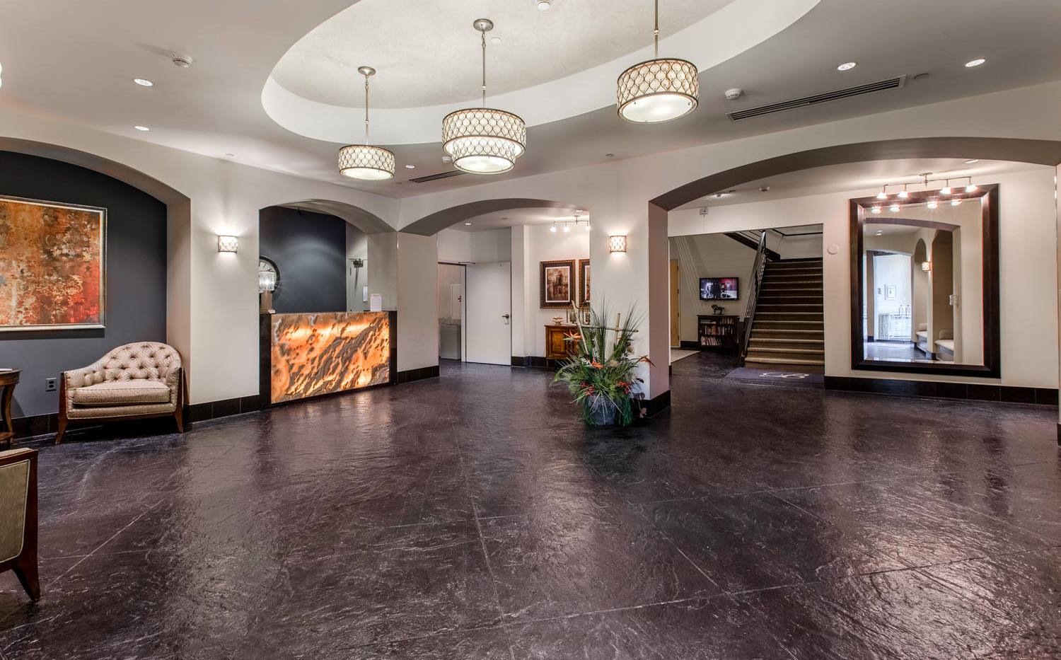 925 Lincoln Street-large-003-015-Lobby-1