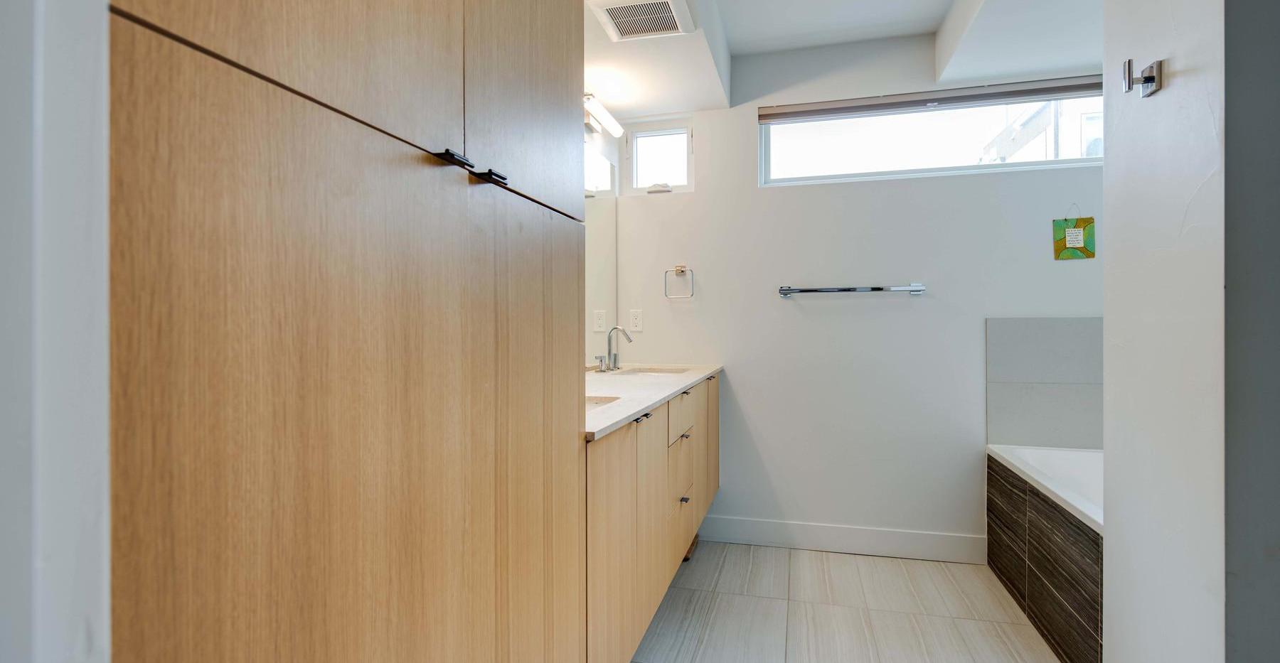 3434 Tejon Street-029-024-Bathroom-MLS_S