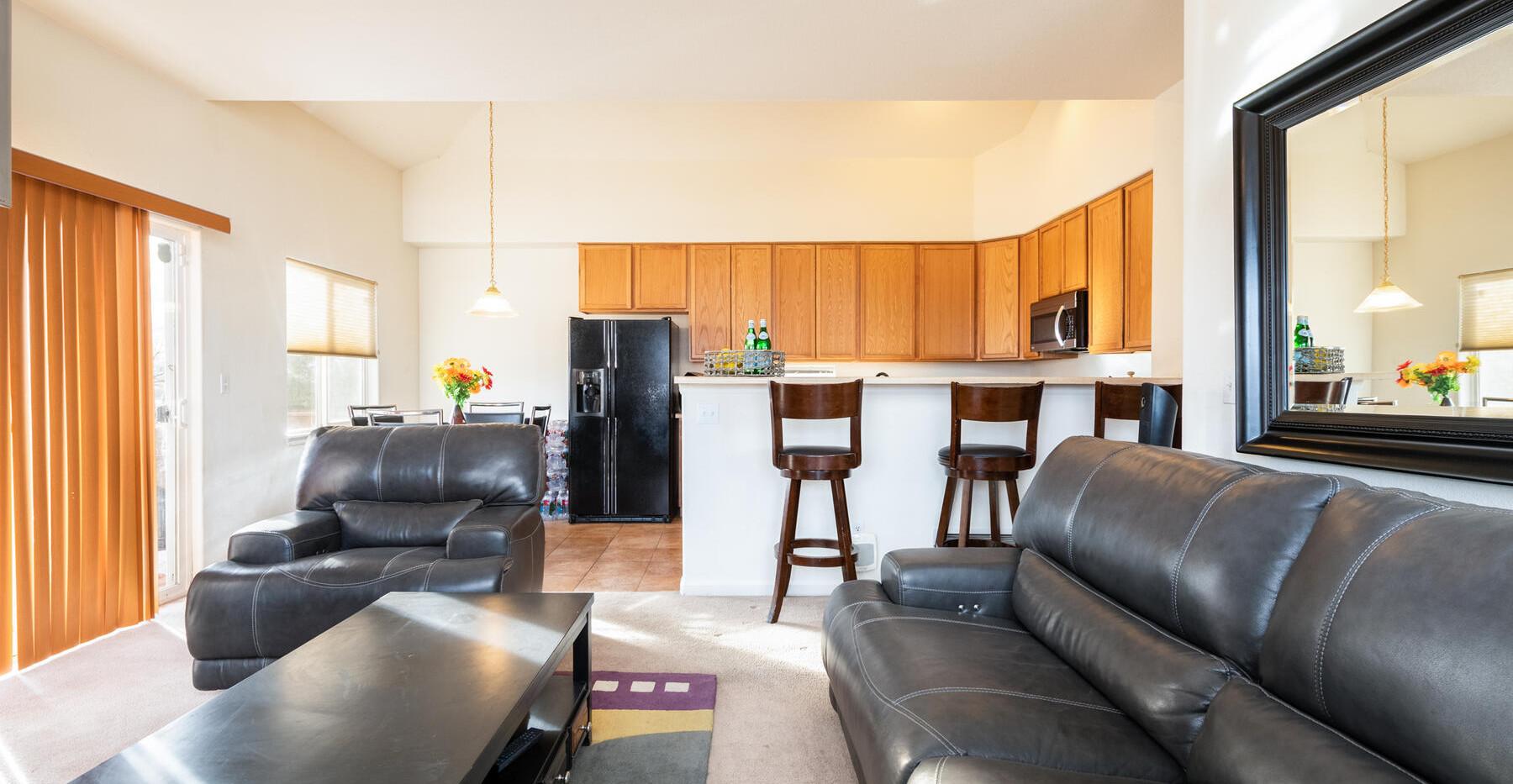 2112 W 101st Circle-021-014-Living Room-