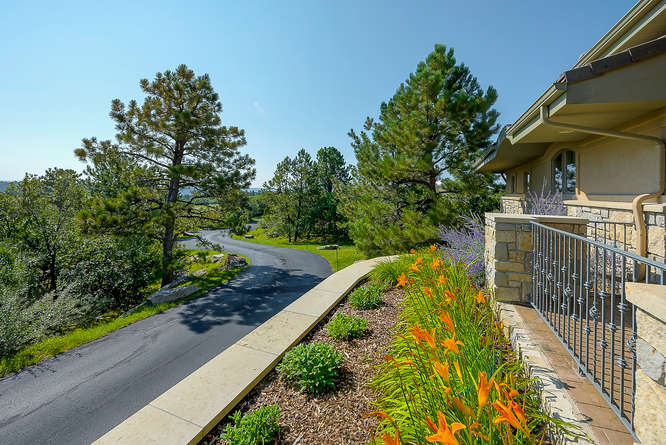 601 Cliffgate Ln Castle Rock-small-054-59-Exterior-666x445-72dpi