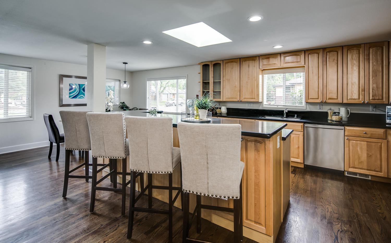 757 Niagara Street-large-008-004-Kitchen