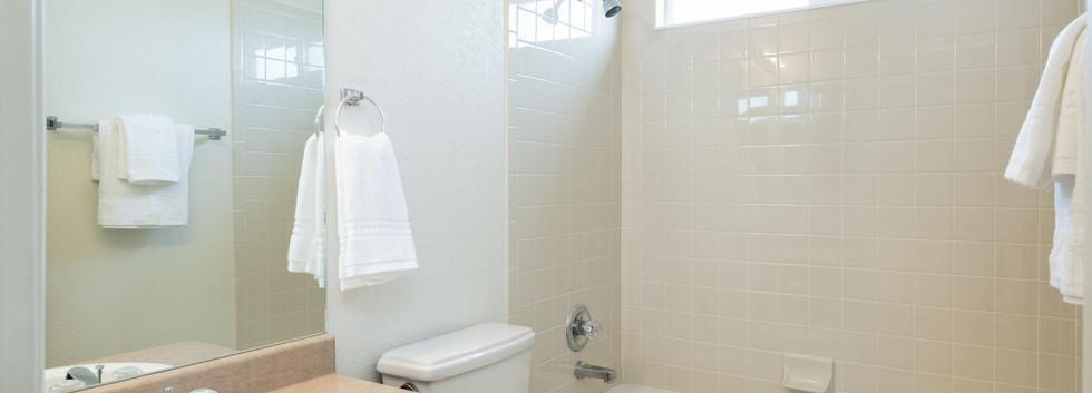 2112 W 101st Circle-038-041-Bathroom-MLS