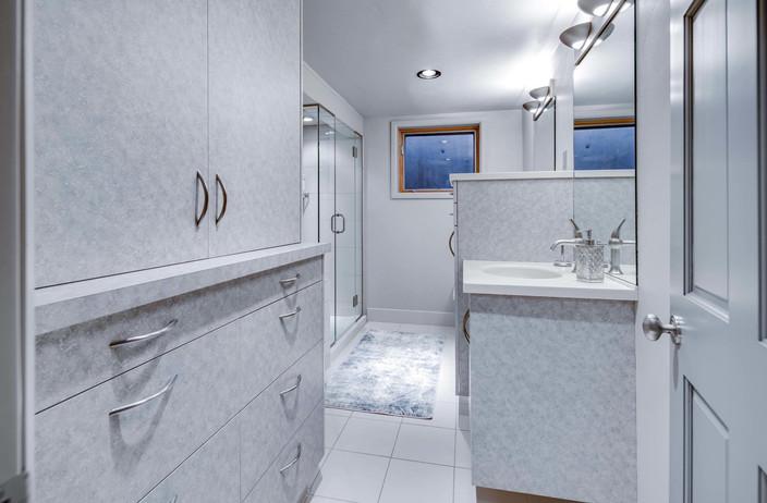 5700 E Prentice Place-044-041-Bathroom-M