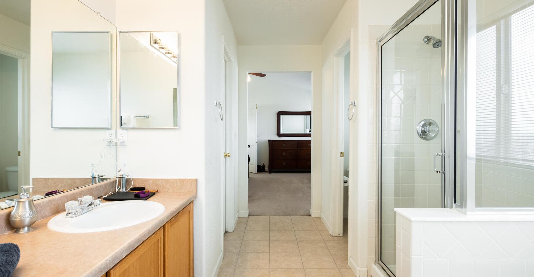 2112 W 101st Circle-033-040-Bathroom-MLS