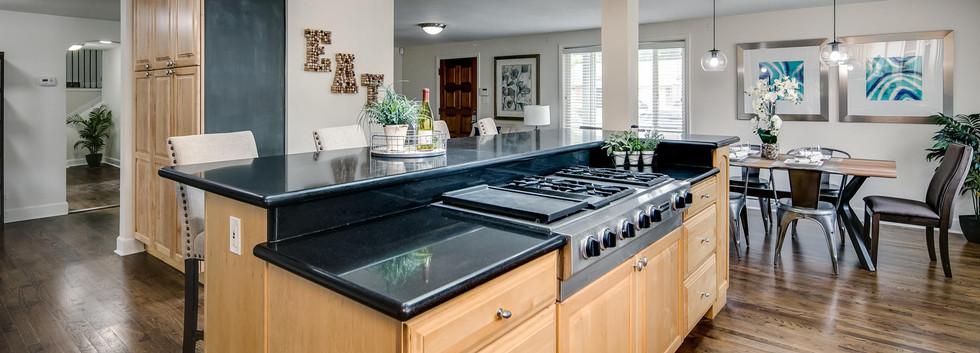 757 Niagara Street-large-009-001-Kitchen