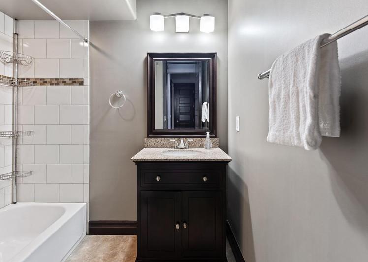 2615 Curtis Street-large-025-007-Bathroom-1500x1000-72dpi.jpg