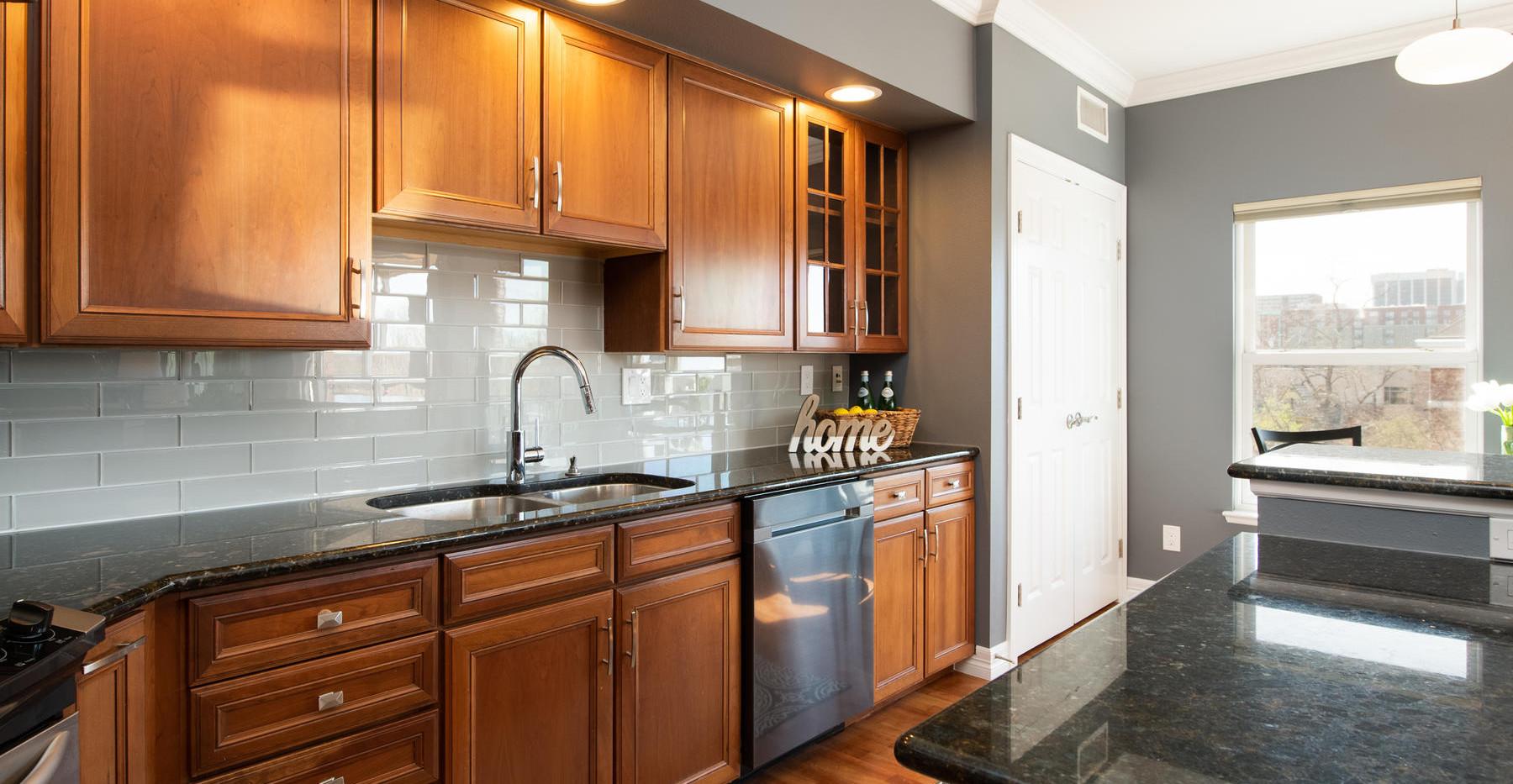 920 E 17th Avenue-038-045-Kitchen-MLS_Si