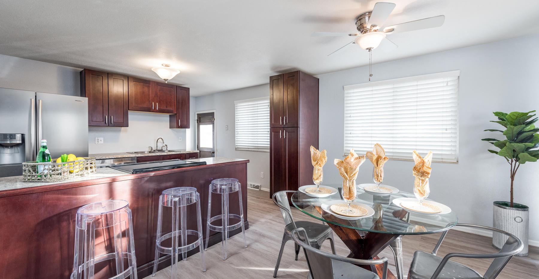8626 W Utah Avenue-010-018-Kitchen-MLS_S
