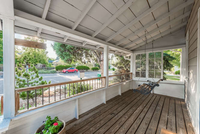 3150 S Clarkson Street-small-008-9-Porch