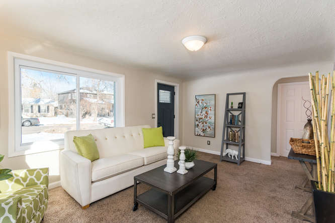 3210 S Emerson Street-small-008-3-Living