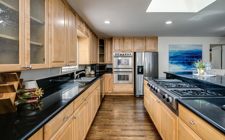 757 Niagara Street-large-010-031-Kitchen