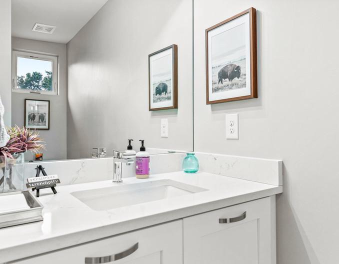3547 Vallejo St-large-033-012-Bathroom-1498x1000-72dpi.jpg