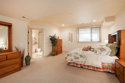 601 Cliffgate Lane-small-033-6-Bedroom-666x445-72dpi