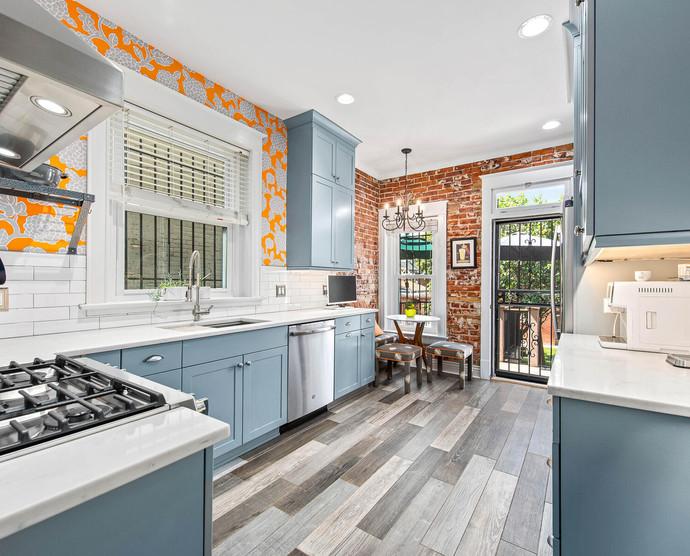 1575 N Ogden St-018-021-Kitchen-MLS_Size.jpg