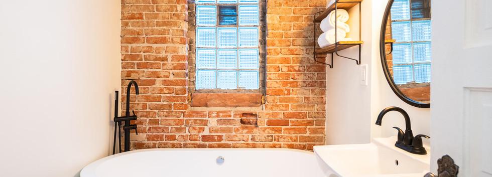 2639 York Street-030-041-Bathroom-MLS_Si
