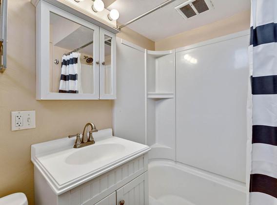 2894 Holly St-022-027-Bathroom-MLS_Size.jpg