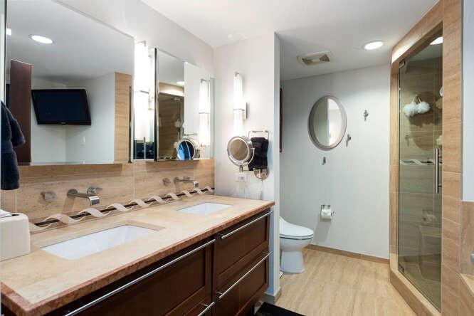 1590 Little Raven St 408-small-033-017-Bathroom-666x444-72dpi.jpg