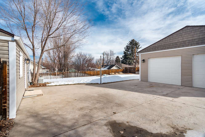 3210 S Emerson Street-small-026-10-Exter