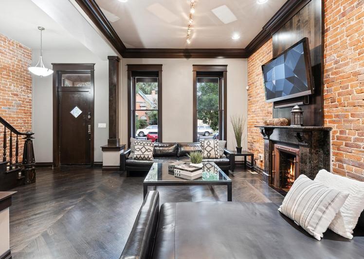 2615 Curtis Street-large-008-014-Living Room-1500x1000-72dpi.jpg