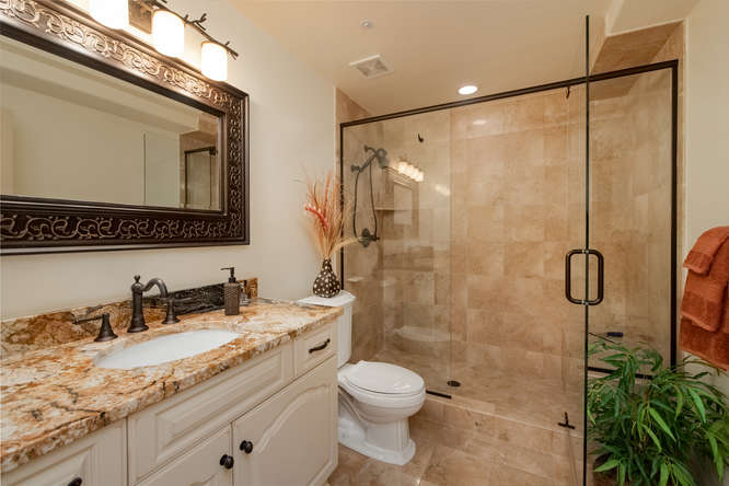 601 Cliffgate Lane-small-036-37-Full Bath-666x445-72dpi