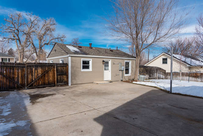 3210 S Emerson Street-small-036-20-Exter