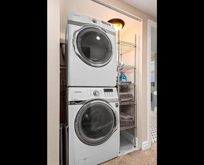 1575 N Ogden St-033-005-Laundry-MLS_Size.jpg