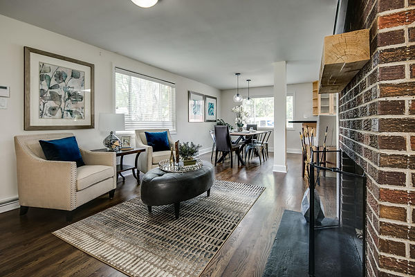 757 Niagara Street-large-005-012-Living