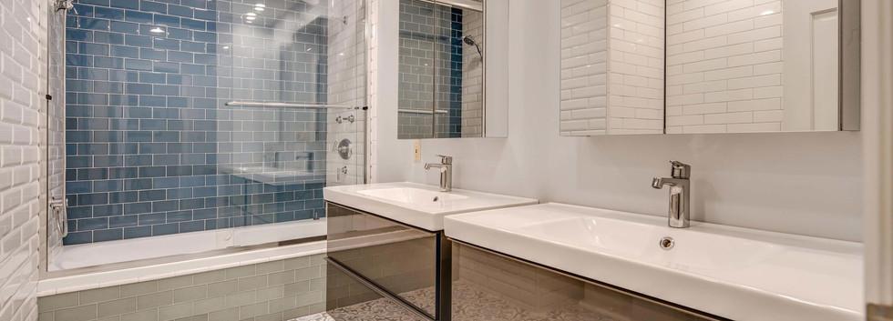 5700 E Prentice Place-036-015-Bathroom-M