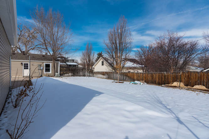 3210 S Emerson Street-small-033-22-Exter