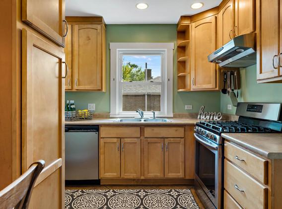 2894 Holly St-012-004-Kitchen-MLS_Size.jpg