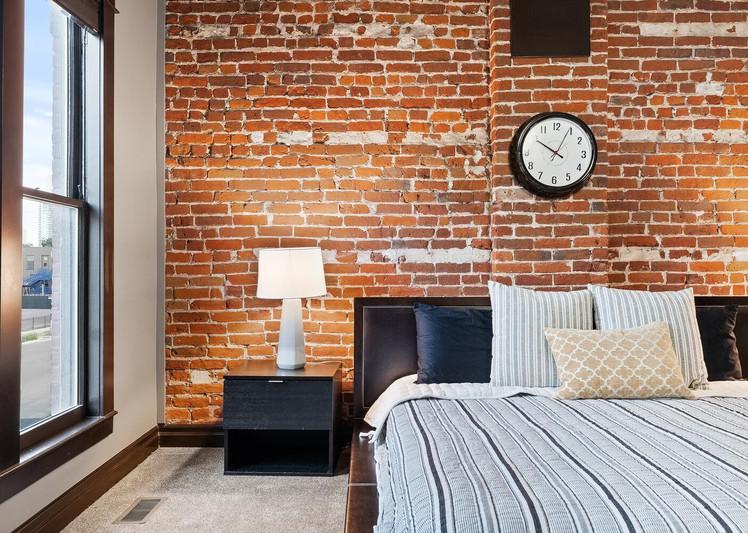 2615 Curtis Street-large-022-010-Bedroom-1500x1000-72dpi.jpg