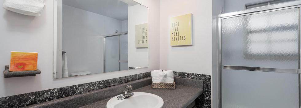 8626 W Utah Avenue-018-022-Bathroom-MLS_