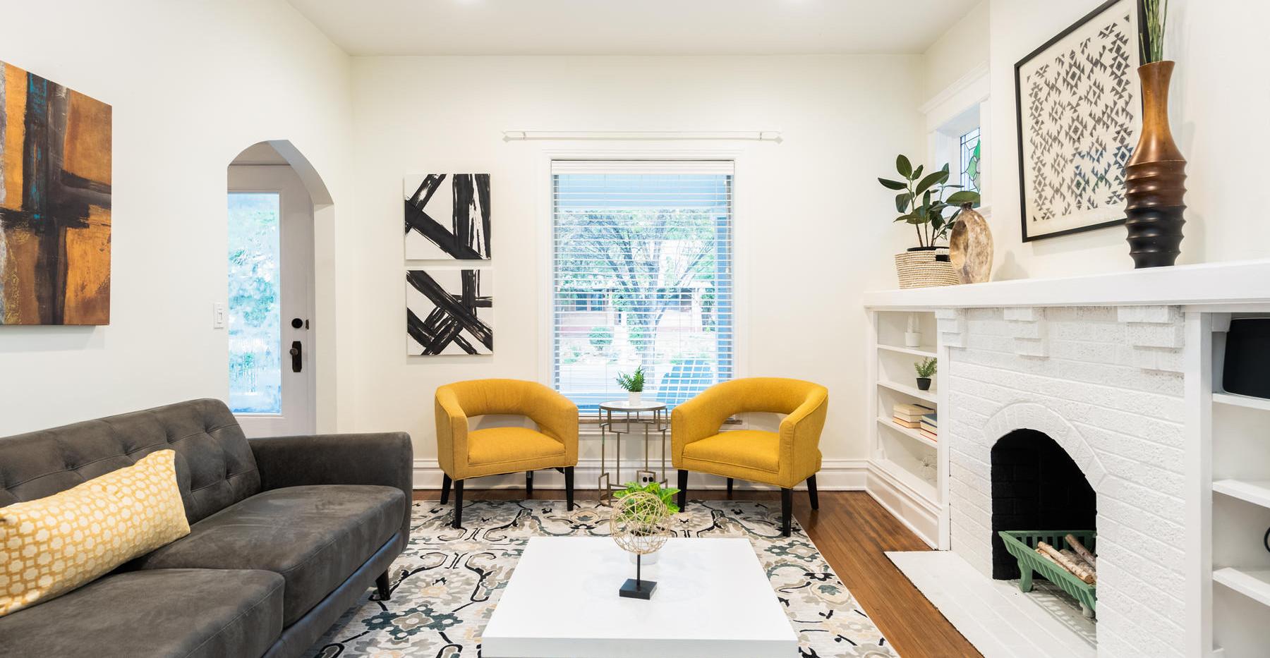 2639 York Street-011-018-Living Room-MLS