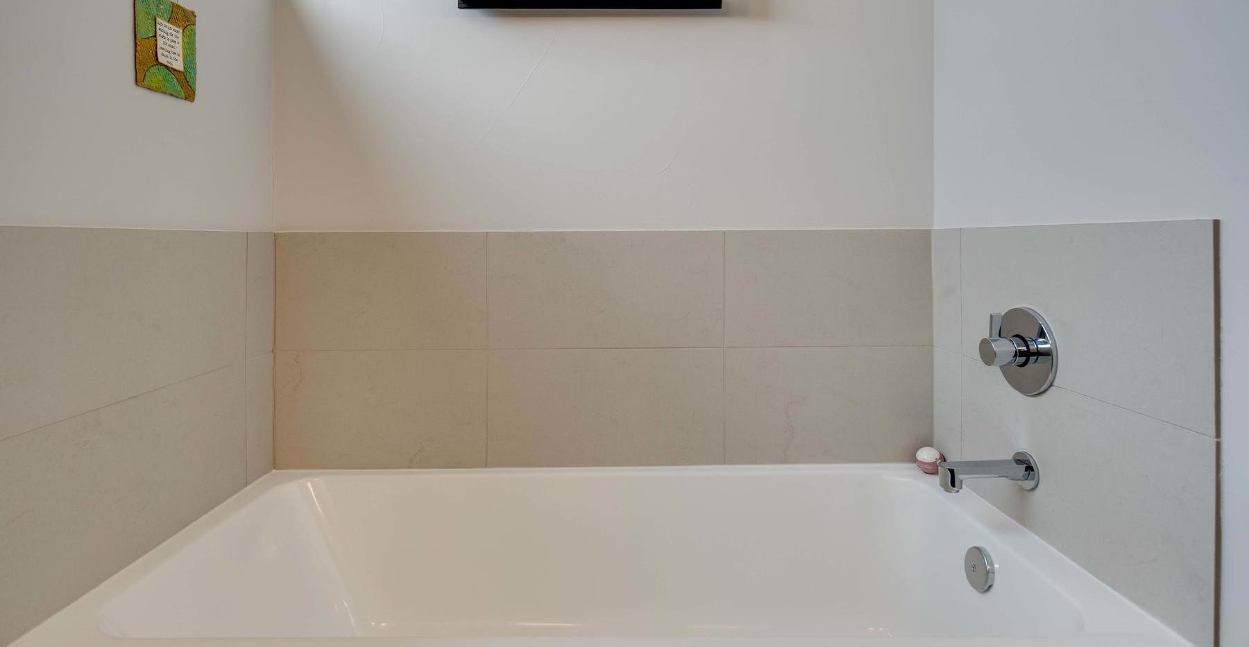 3434 Tejon Street-028-020-Bathroom-MLS_S