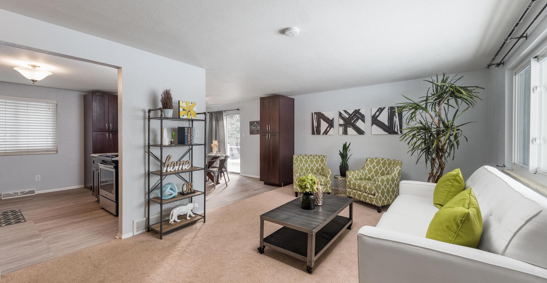 8626 W Utah Avenue-004-004-Living Room-M