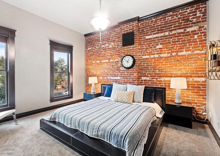 2615 Curtis Street-large-021-004-Bedroom-1500x998-72dpi.jpg