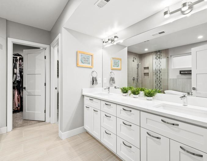 3547 Vallejo St-large-022-036-Bathroom-1498x1000-72dpi.jpg