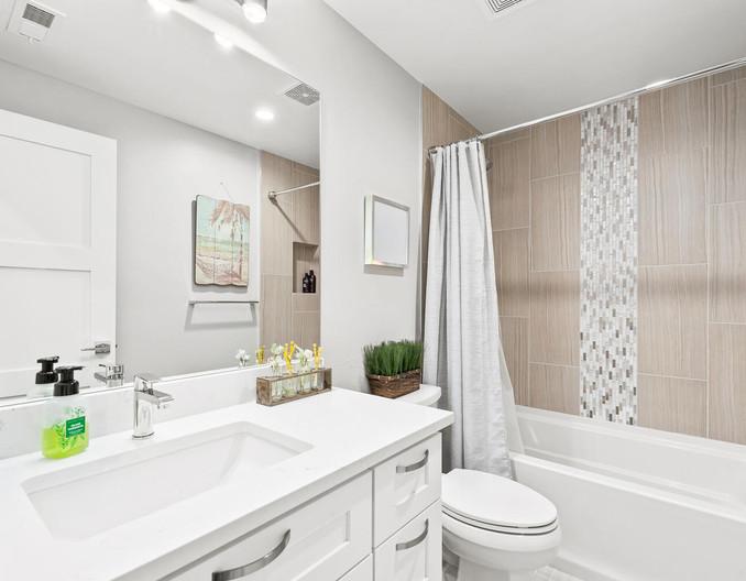 3547 Vallejo St-large-036-023-Bathroom-1498x1000-72dpi.jpg